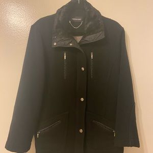 Winter wool jacket with fur colar